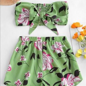 ZAFUL Tie Front Floral Bandeau Top And Shorts Set